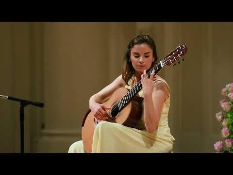 Ana Vidovic plays Recuerdos de la Alhambra by Francisco Tárrega