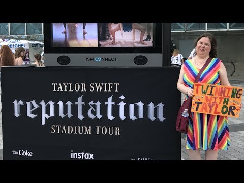 MY TAYLOR SWIFT DAY IN TORONTO (DAY 1) - Vlog 254 (08.03.18)