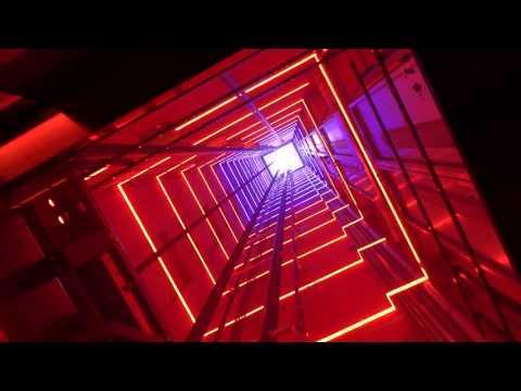 Spectaculaire LED effecten in plafond lift Adam Look Out Toren Amsterdam