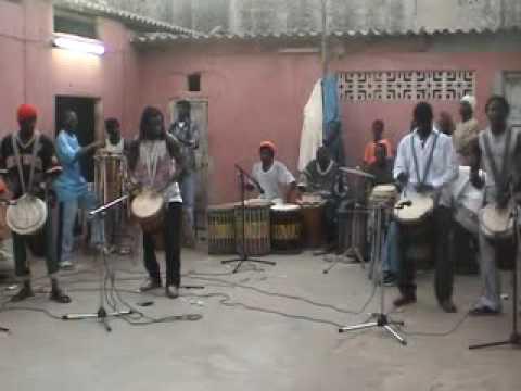 CULTURE 5 : SENEGAL: djembe and sabar performance (M`Baye M`Boup`s  group rehearsal).
