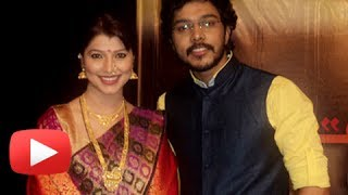 Video Ticha Umbartha - Latest Marathi Movie - Muhurat Scene - Chinmay Mandalekar, Tejaswini Pandit download MP3, 3GP, MP4, WEBM, AVI, FLV November 2017