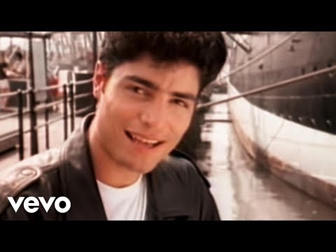 Chayanne - Completamente Enamorados (Video)