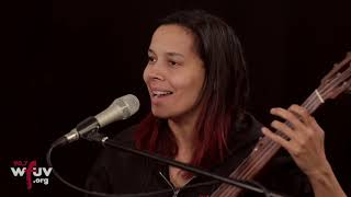 """Rhiannon Giddens - """"Pizzica Di San Vito"""" (Live at WFUV)"""