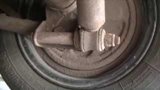 Замена резиновых втулок на задних амортизаторах. ВАЗ Классика.(, 2014-08-06T21:01:49.000Z)