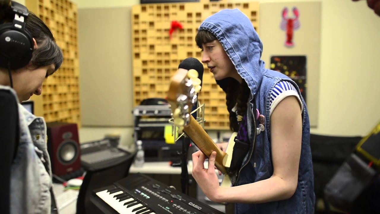 frankie-cosmos-too-dark-acrn-in-studio-concert-series-acrn-the-rock-lobster