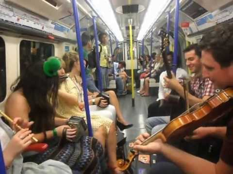 Irish Music on the Piccadilly line!