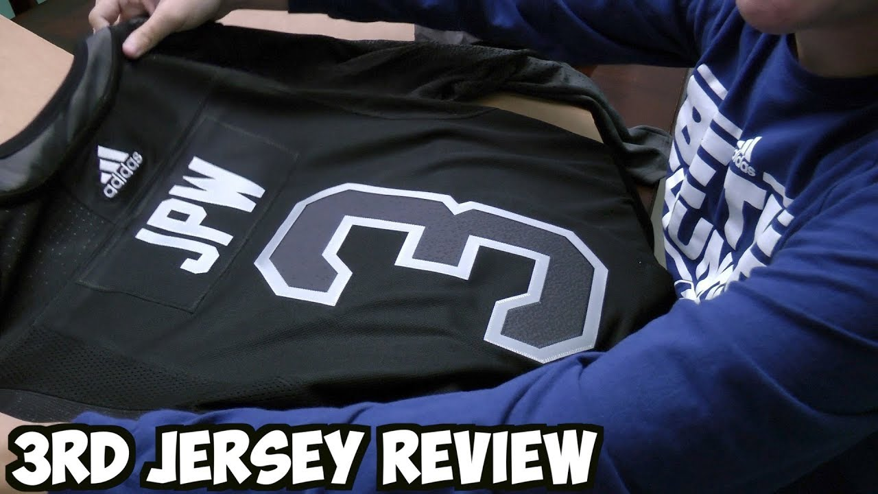 newest 36356 cfa61 Reviewing The Tampa Bay Lightning's New Third Jersey!