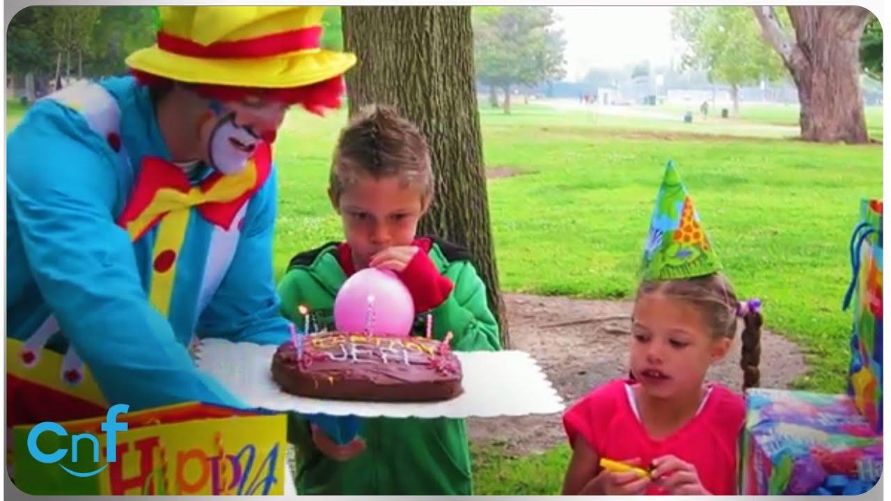 Clumsy Clown Clown Ruins Birthday Cake Youtube