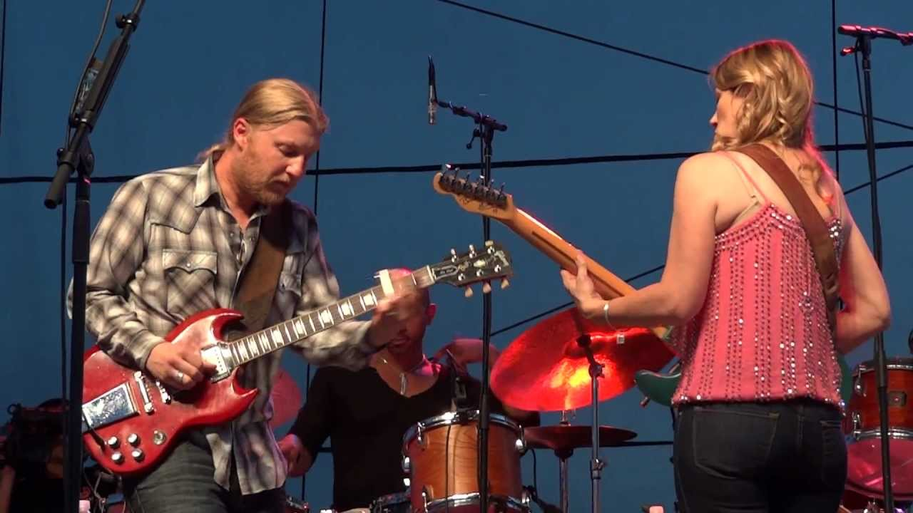 tedeschi trucks band all because of you chesapeake bay blues festival 2012 youtube. Black Bedroom Furniture Sets. Home Design Ideas
