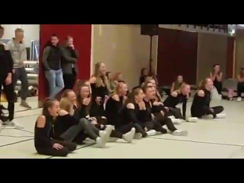 2016-01-16 demo De Beukers -  queens reactions...