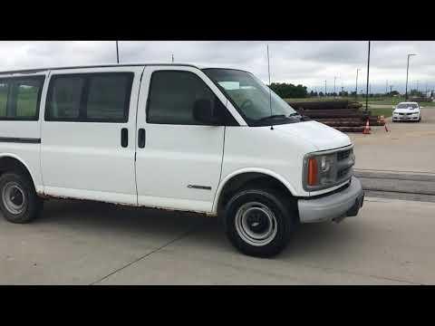 2002 Chevrolet C-2500 Van