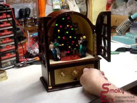 2004 Mr Christmas Animated Retro Music Radio