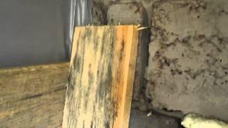 Почему гниют и разрушаются доски, пиломатериалы. Строительные ошибки(ПОДРОБНЕЕ ЗДЕСЬ: http://www.winterhouse.ru/sovet/s60.html Во время строительства с использованием древесины многие совершаю..., 2015-10-13T07:31:22.000Z)