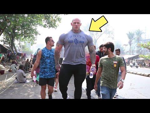 أطول وأضخم رجل في العالم , عندما يمشي في الشارع يندهش الجميع  - نشر قبل 3 ساعة