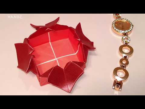 Origami heart box - DIY Valentine gift box with hearts. DIY paper heart box.