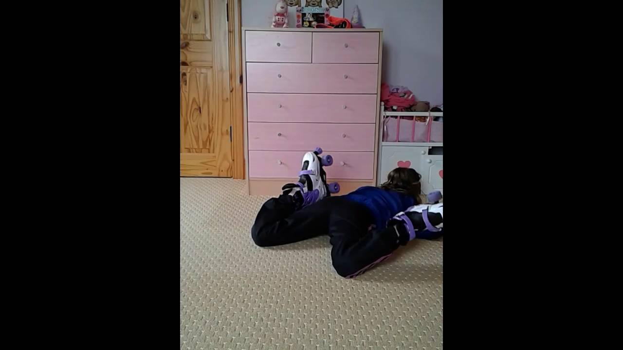 Zoella roller skates - Rollerskates Fails Zoella Boom