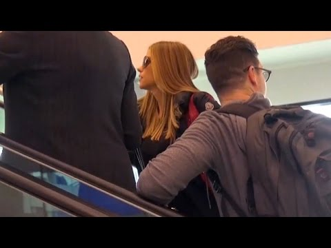 X17 EXCLUSIVE - Sofia Vergara Jets Out Of LAX After SAG Awards