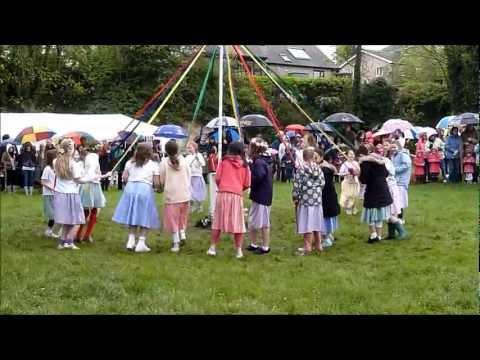 Wheatley May Day 2012 - Maypole dancing