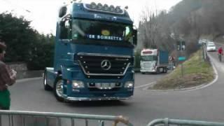 8.....raduno camion sulla neve 2011....parte3.avi