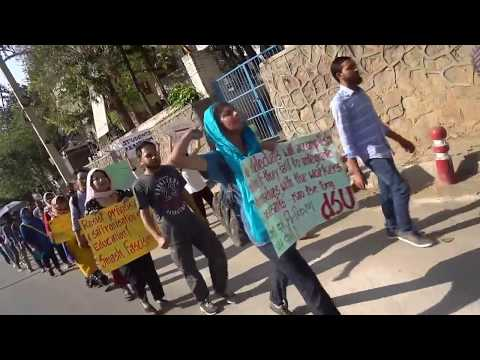 JNUTA-JNUSU Historic Parliament March : The single clicked video just after JNU Main Gate
