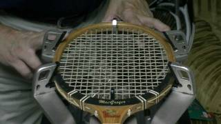 Stringing a wood racket Step 1 of 6 - Identitying the pattern