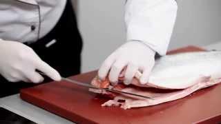 Как быстро разделать лосося и правильно засолить филе. Мастер-класс и рецепт Уриэля Штерна