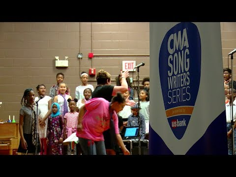 Country Music Association gifts instruments to students at Roselawn school