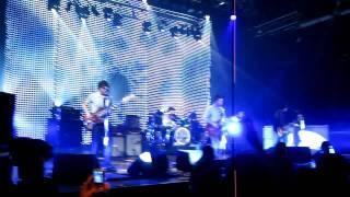 Noel Gallagher - (I Wanna Live In A Dream, In My) Record Machine - Live at Alcatraz Milano 2011