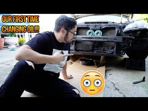 CHANGING OIL ON THE GENESIS FOR THE FIRST TIME!!! LOL