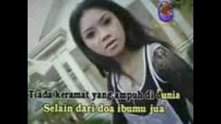 Video Ratna Antika   KERAMAT download MP3, 3GP, MP4, WEBM, AVI, FLV Oktober 2017