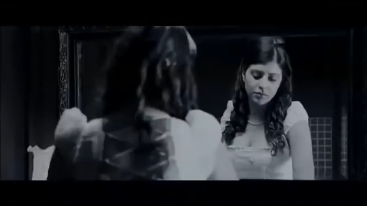 Download മാഡം ഇവിടെ ഒറ്റയ്ക്കാനോ താമസം...ഒറ്റയ്ക്കു പേടിയില്ലേ... Ghost House Inn..Malayalam movie scene.
