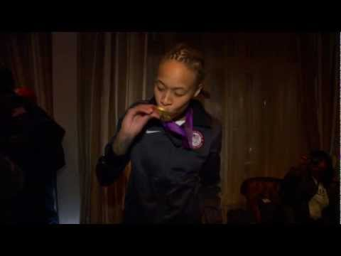 Seimone Augustus shows off her medal!