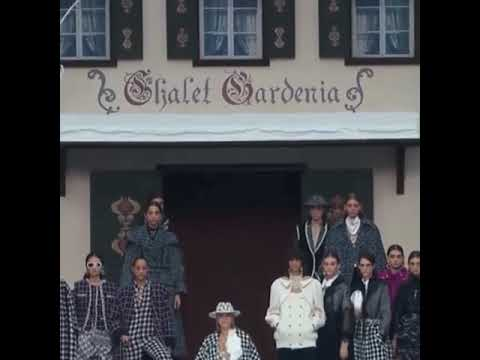 Chanel Fall/Winter 2019/2020  Opening by @caradelevingne
