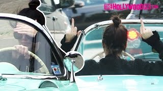 """Kendall Jenner Says """"F*ck You Bitch!"""" & Flips Off Paparazzi While Driving Her Vintage Corvette"""