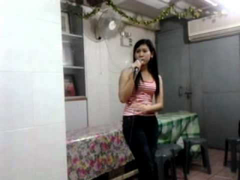 Baik baik sayang by gadis kendal(aksi karaoke heboh in macau).mp4