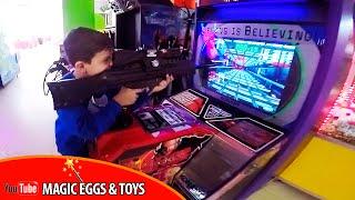 VLOG   Саша в игротеке  PLAY-DAY   Детские игровые автоматы