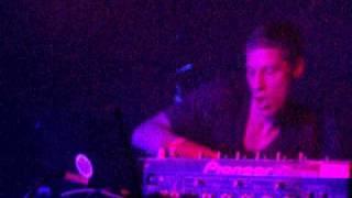Reinhard Voigt live act, VERY PUNCHY ACID hard minimal techno Kompakt