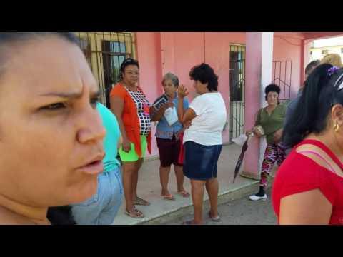 Las Colas Y Los Fogones, Ciego de Avila, Cuba (Jun/2016)