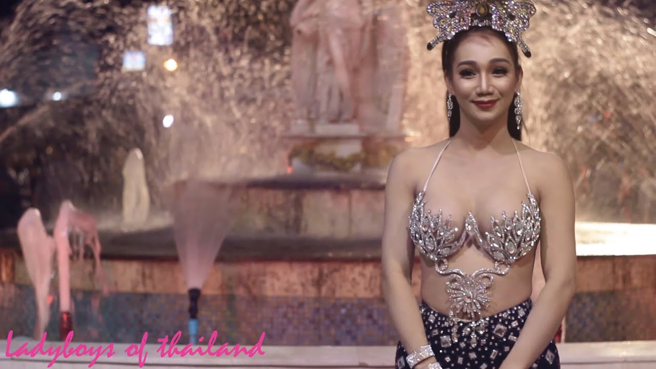 Ladyboy cabaret performers in pattaya thailand-9164
