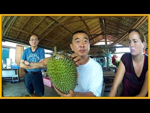 LECTURE: MASTER DURIAN SENG TEACHES THE DURIAN BASICS AT BAO