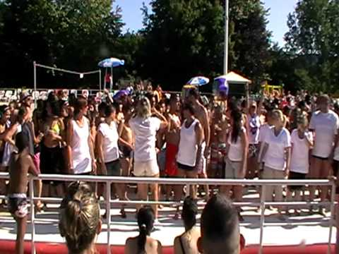 Flash mob piscine aquagliss freyming merlebach 2011 youtube for Piscine freyming merlebach aquagliss