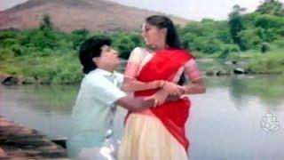 Gowri Mogavu Chandira - Shivaraj Kumar - Kannada Hit Songs