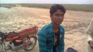 Aa Raha Hai Maza teri bahon main