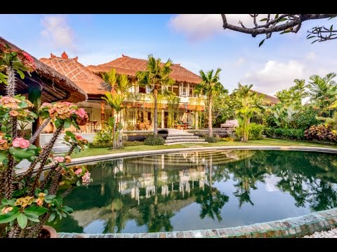 Ultra Luxurious 5 Bedroom Bali Villa For Sale in Great Location