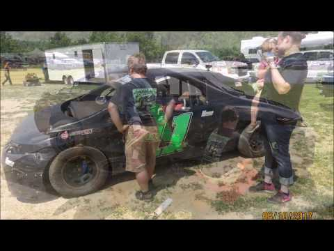 06-10-17 Jonathan Sarratt wins Heat Race-1 at Windy Hollow Speedway