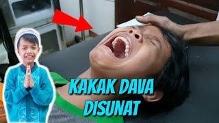 Download Video KAKAK DAVA DISUNAT MP3 3GP MP4