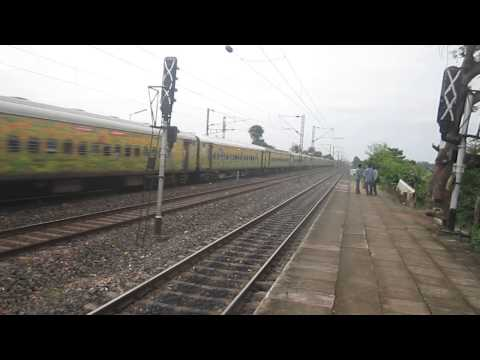 12246 Yeshvantpur - Howrah Duronto on its way towards Howrah with 22500 SRC WAP 4 at its lead