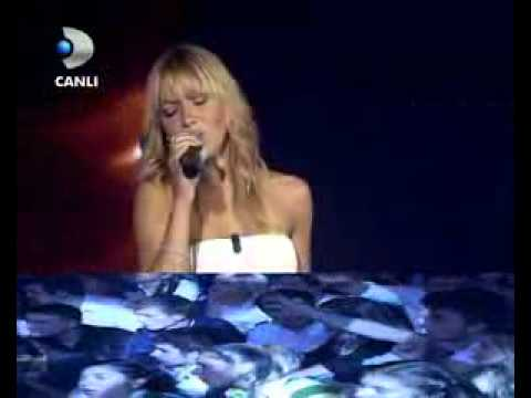 Hadise   I Will Always Love You Kanal D Beyaz Show Canli Performans   YouTube