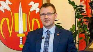 Bartosz Podolak, wójt gminy Rzekuń, o inicjatywie budowy domów dla potrzebujących
