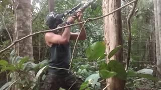 Caça ao jacu com a carabina NITRO VENOM DUSK 5.5 camuflada.